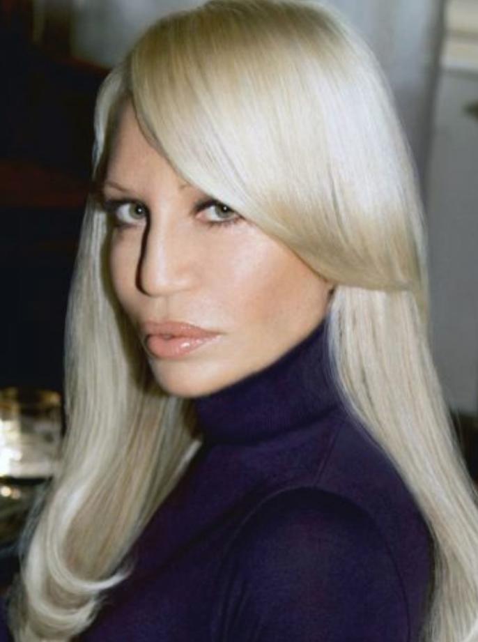 Donatella Versace, ecco com'è oggi. Il cambiamento della ...
