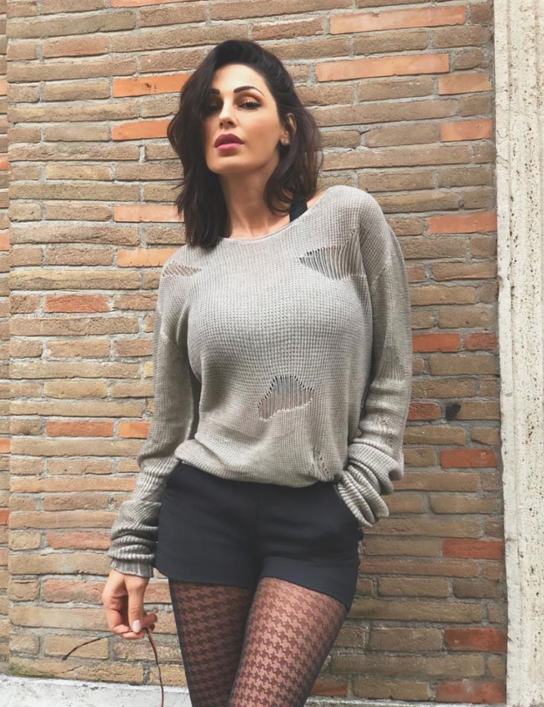 anna tatangelo instagram fisico foto fan