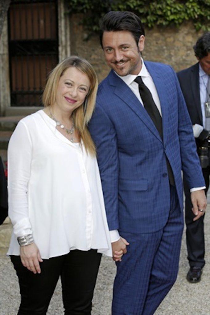 giorgia meloni età anni alta altezza peso figlia compagno andrea non sposata matrimonio