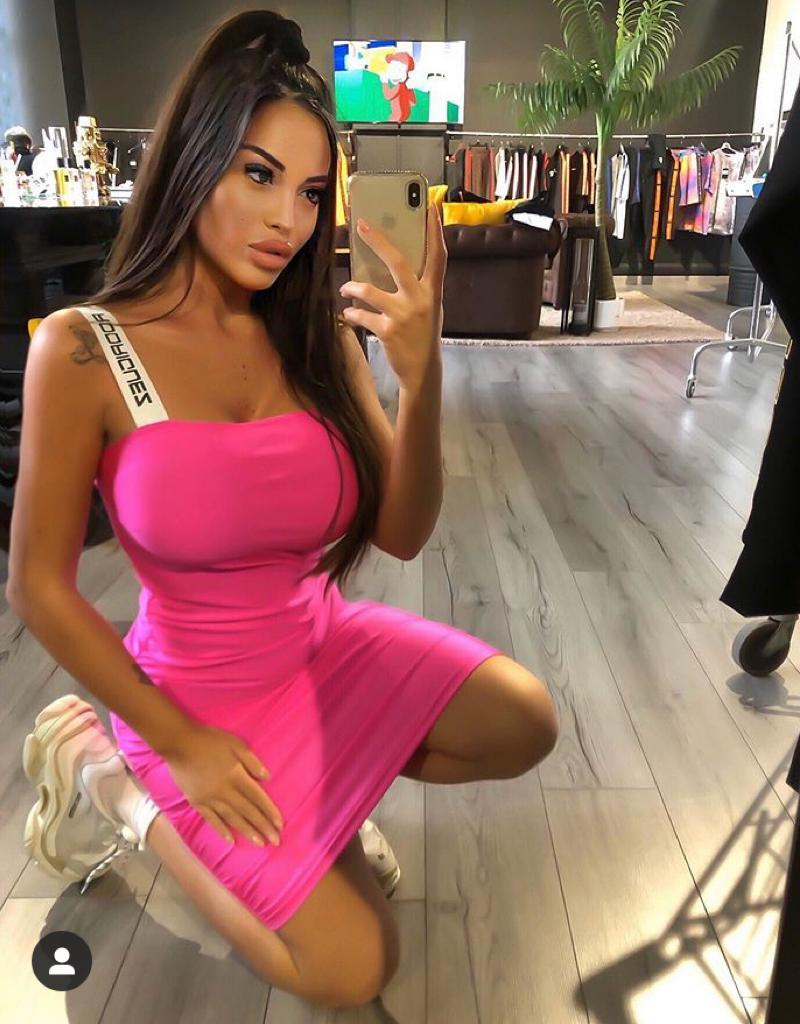floriana messina instagram foto fisico vestito