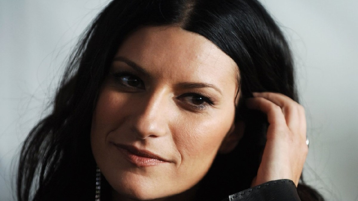 Laura Pausini: età, altezza, peso, compagno e figlia, quanto ...