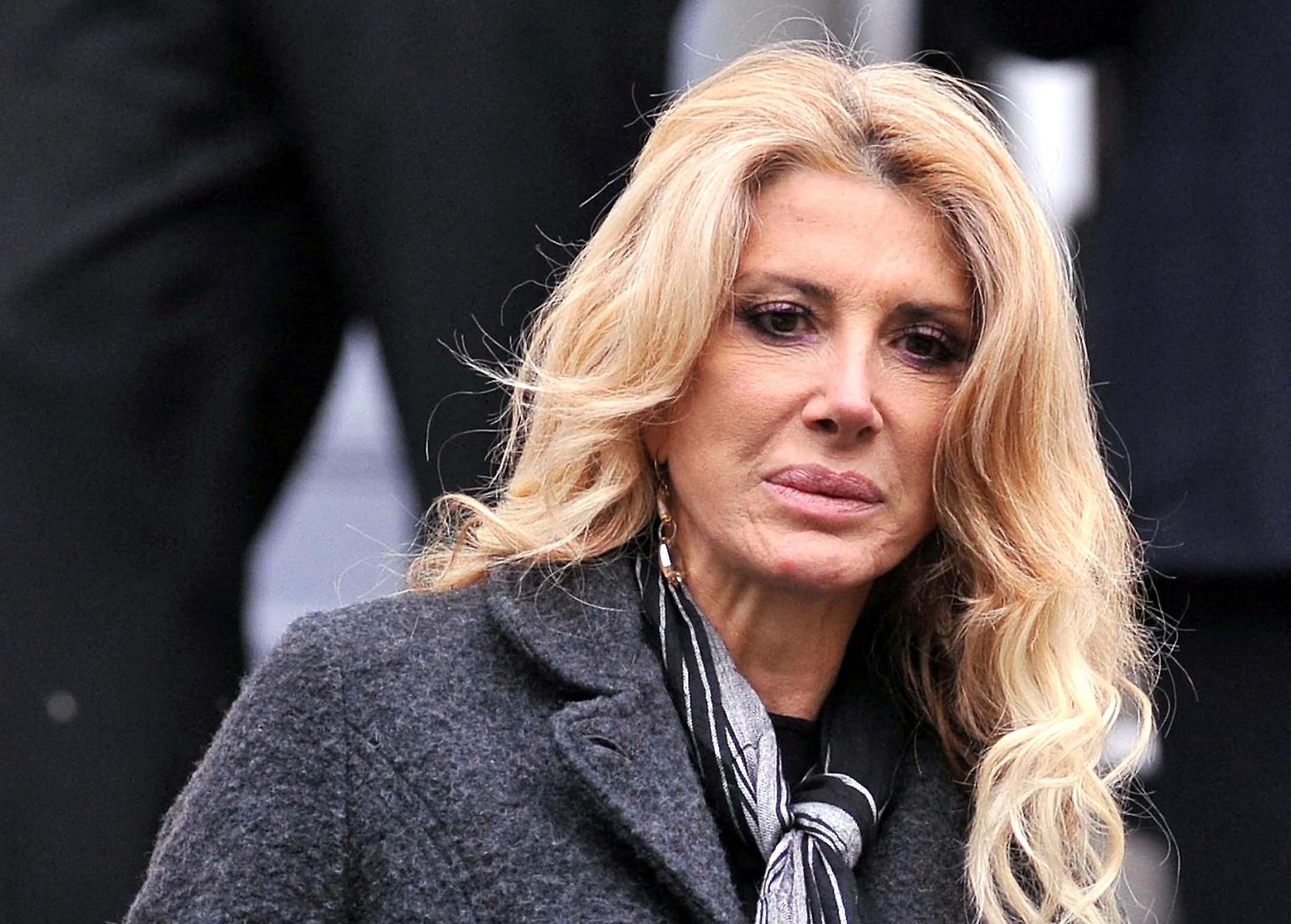 Gabriella Carlucci oggi, la nuova vita: età, altezza, peso,