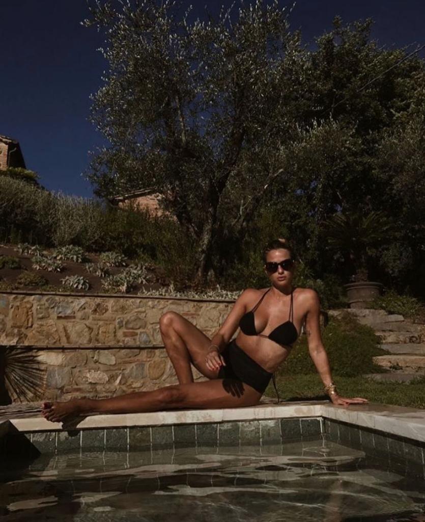 foto cristina marino fisico costume bikini