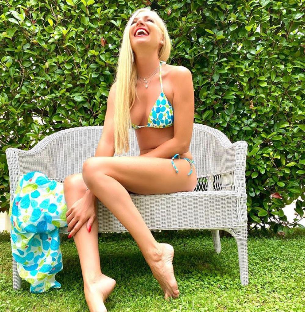 federica panicucci foto in bikini fisico costume