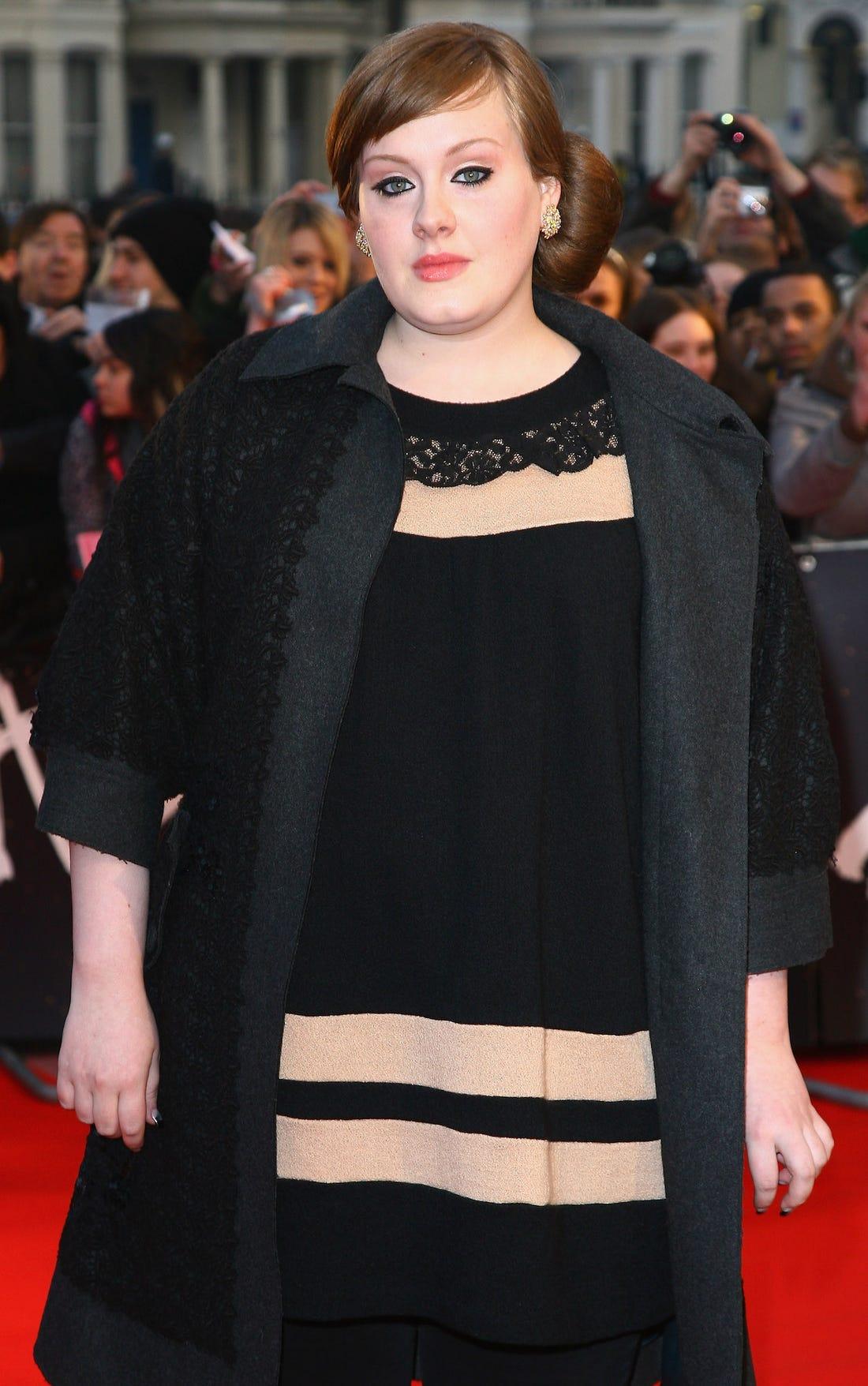 Adele dimagrita, ecco il metodo che ha seguito. Quanti kg ha perso e quanto pesa oggi