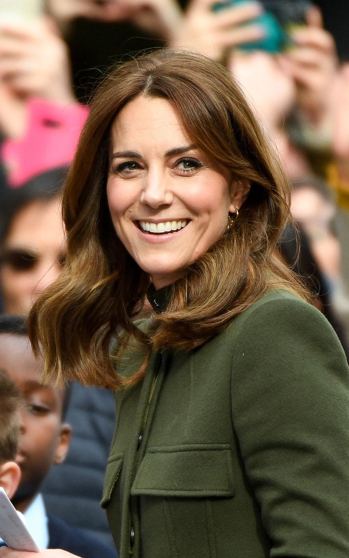Kate Middleton età altezza peso genitori fratelli look laurea figli