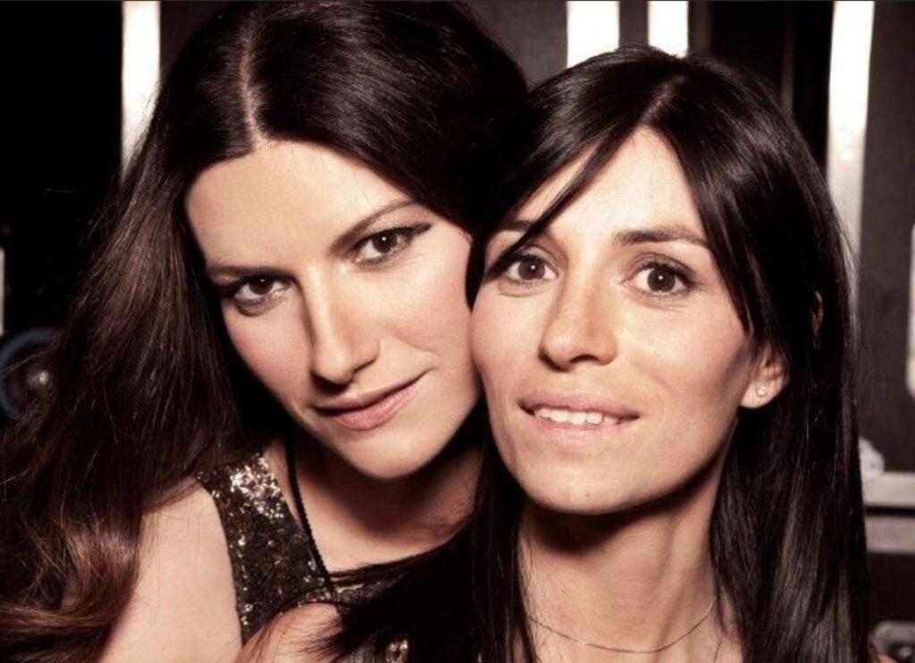 Laura Pausini, ecco la sorella minore. Uguali o più bella? Chi è: anni, altezza, figli