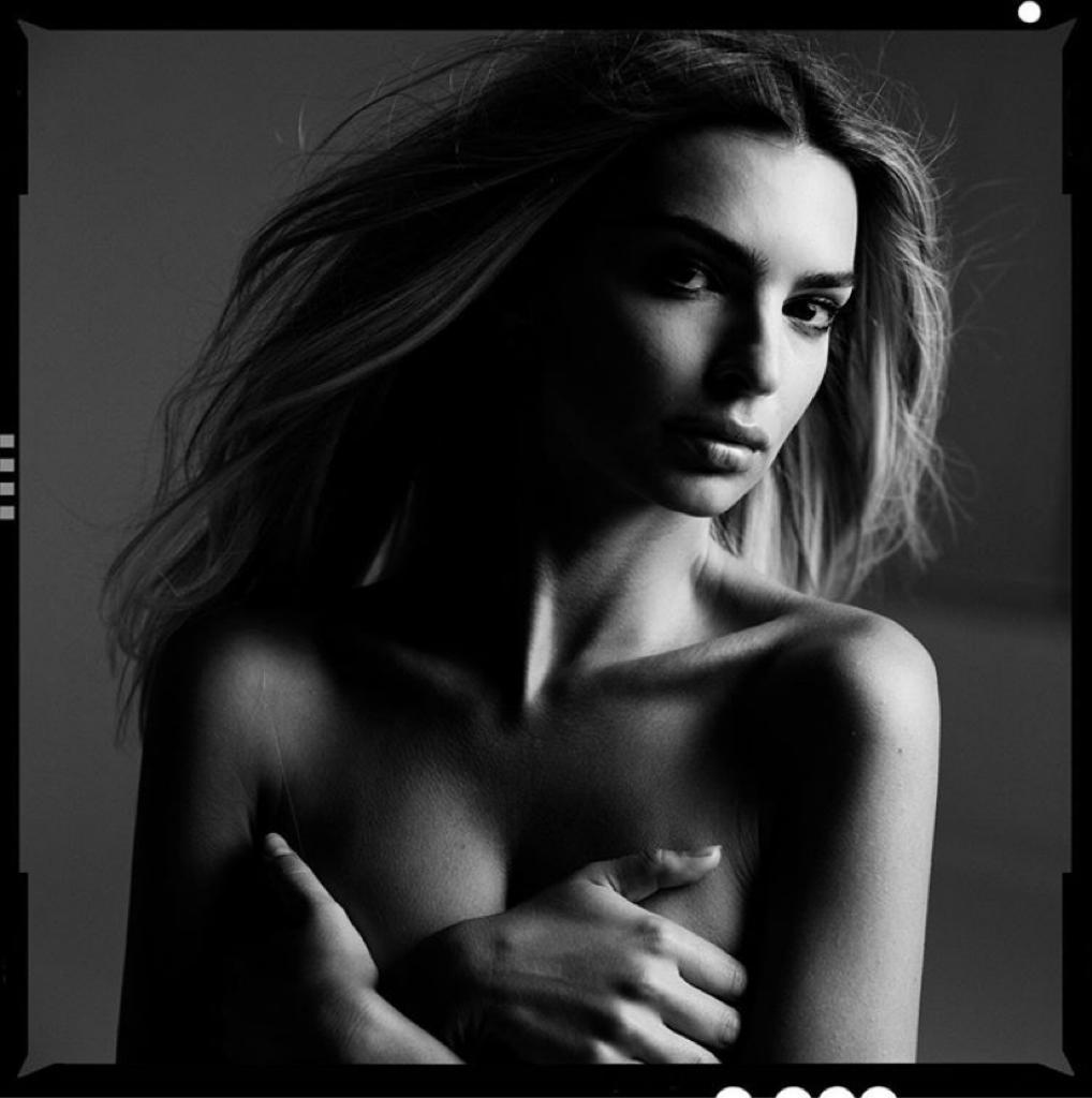 instagram emily ratajkowski foto senza