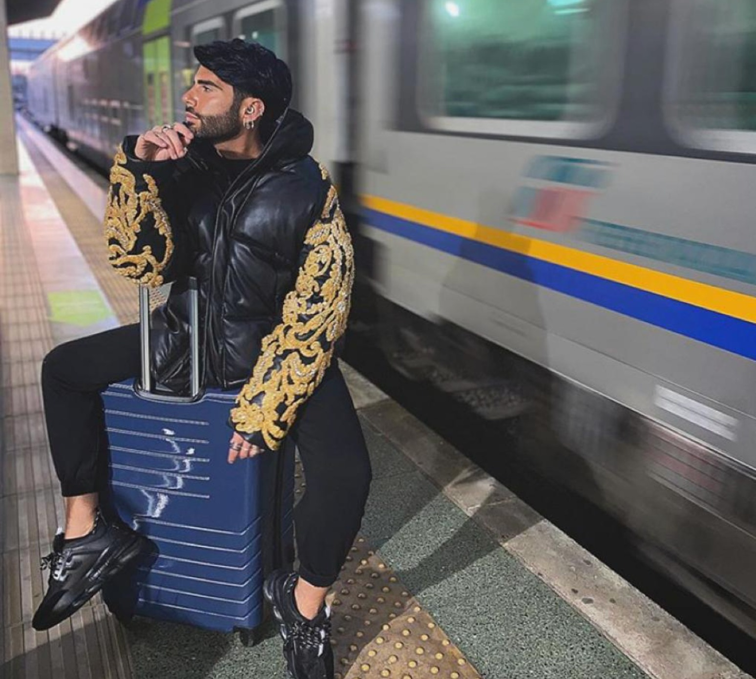 federico fashion style instagram polemica ricchezza soldi