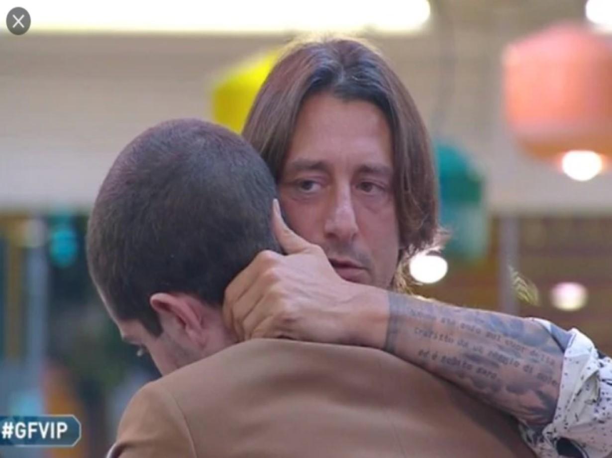 """""""Wow, gliel'ha detto"""". Sorpresa al GF Vip, catturato il labiale di Tommaso Zorzi a Francesco Oppini"""