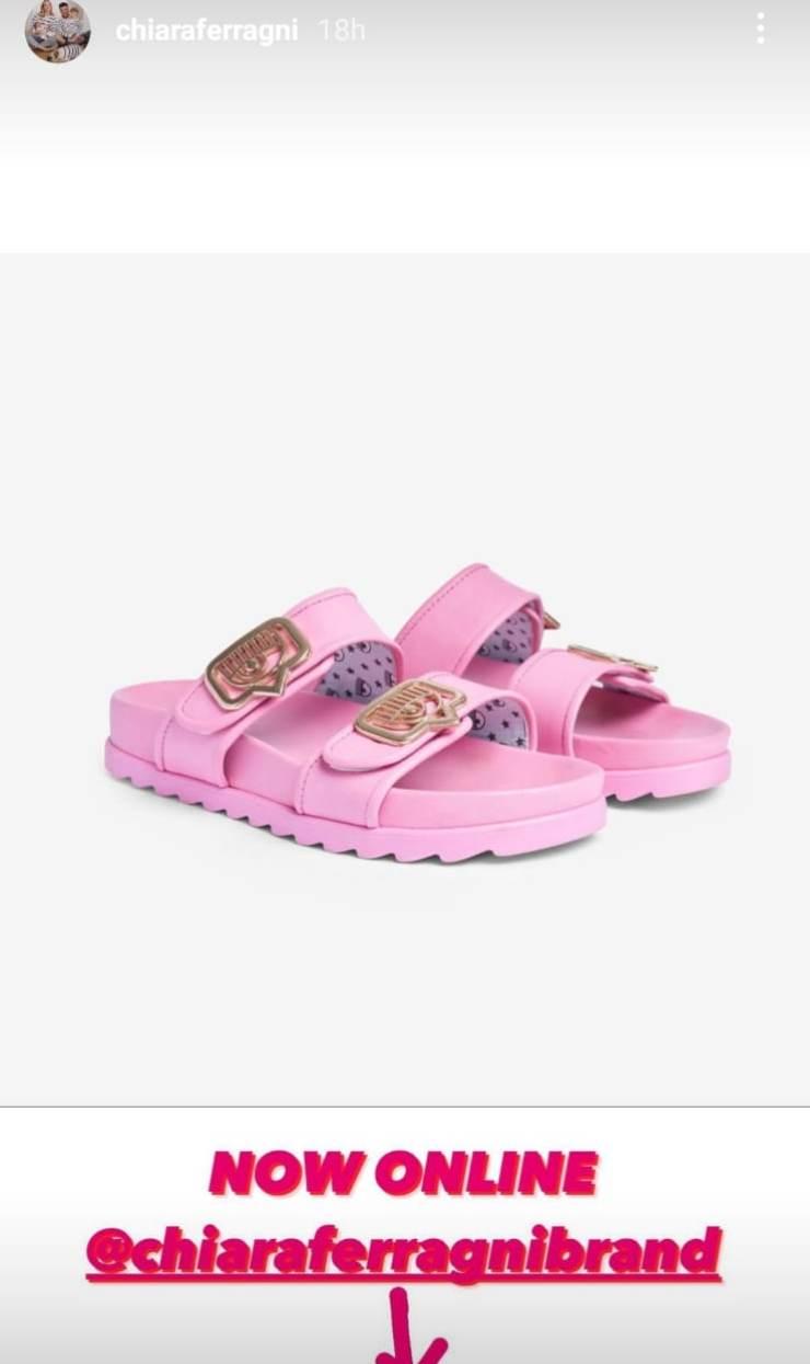 chiara ferragni sandali mare prezzo colori foto