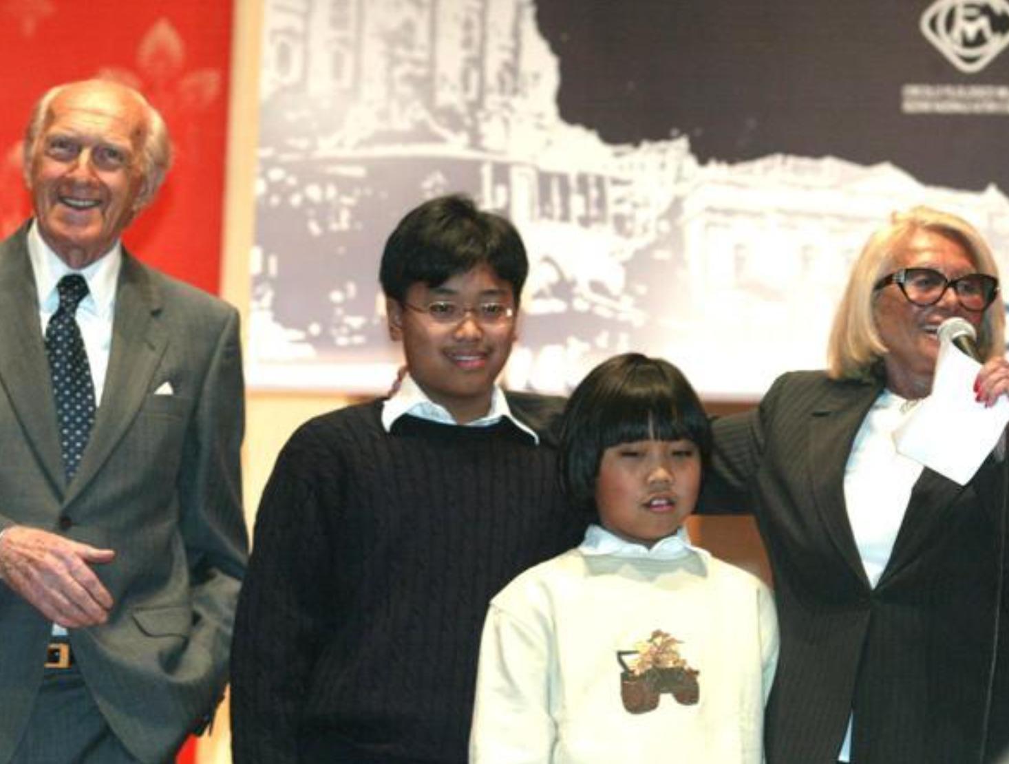 sandra mondaini raimondo vianello figli filippini adottati famiglia oggi età