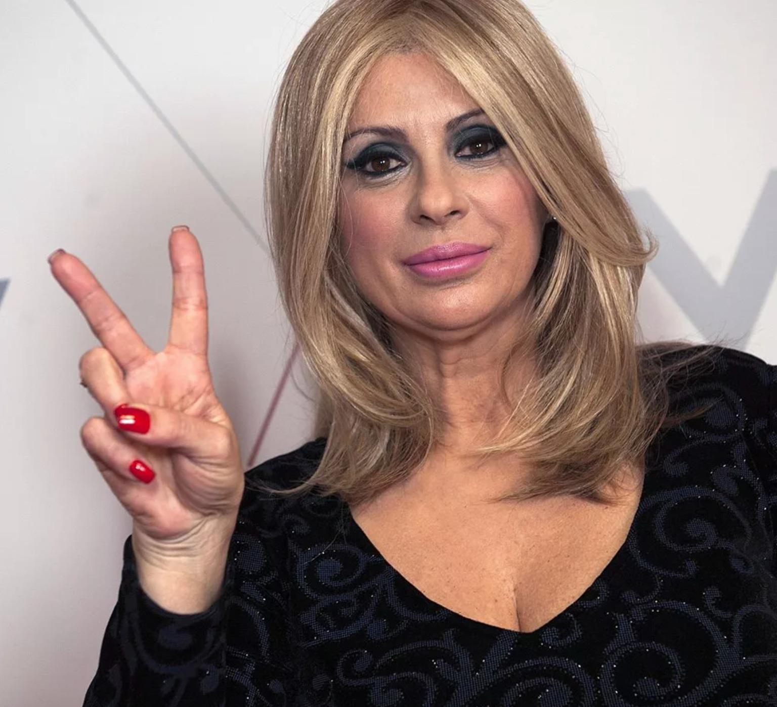 Tina Cipollari lascia Uomini e Donne? Dopo l'indiscrezione, la decisione: cosa succede a Mediaset