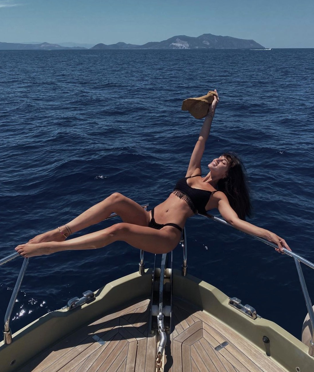 cecilia rodriguez foto fisico lato bikini