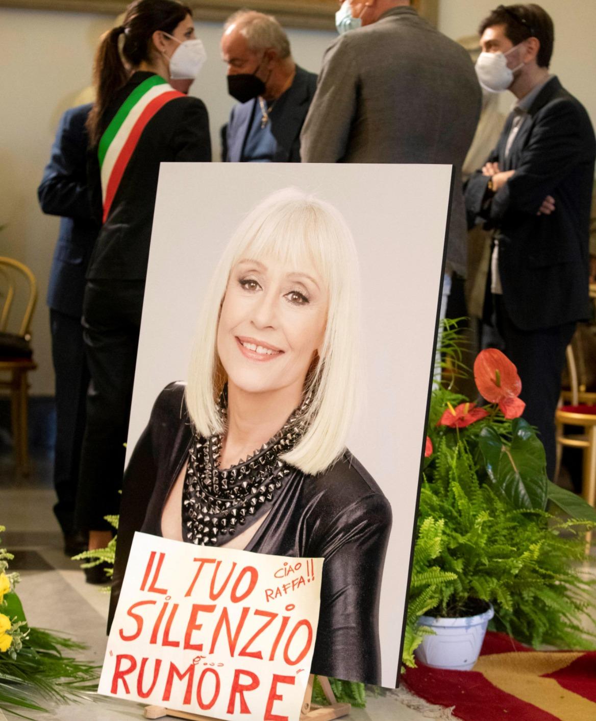 raffaella carrà funerali chiesa roma