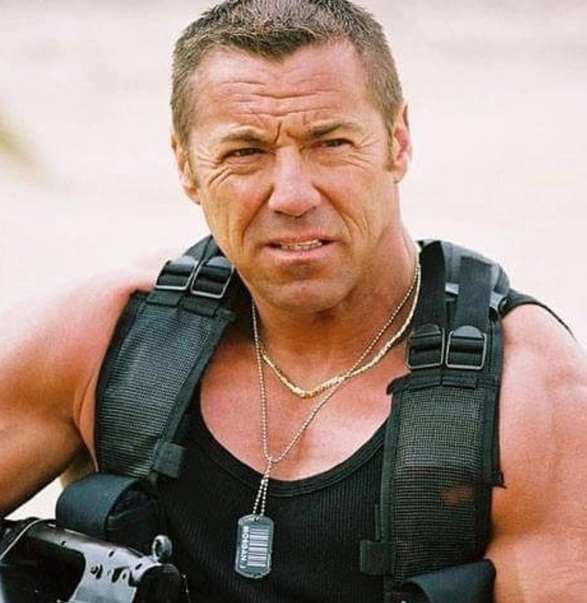Un altro lutto nel cinema: l'attore trovato senza vita in un porto durante le vacanze al mare
