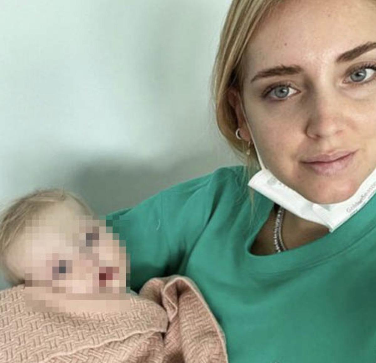 """""""Cosa sta succedendo a nostra figlia"""". Chiara Ferragni, ansia dall'ospedale: come sta Vittoria"""